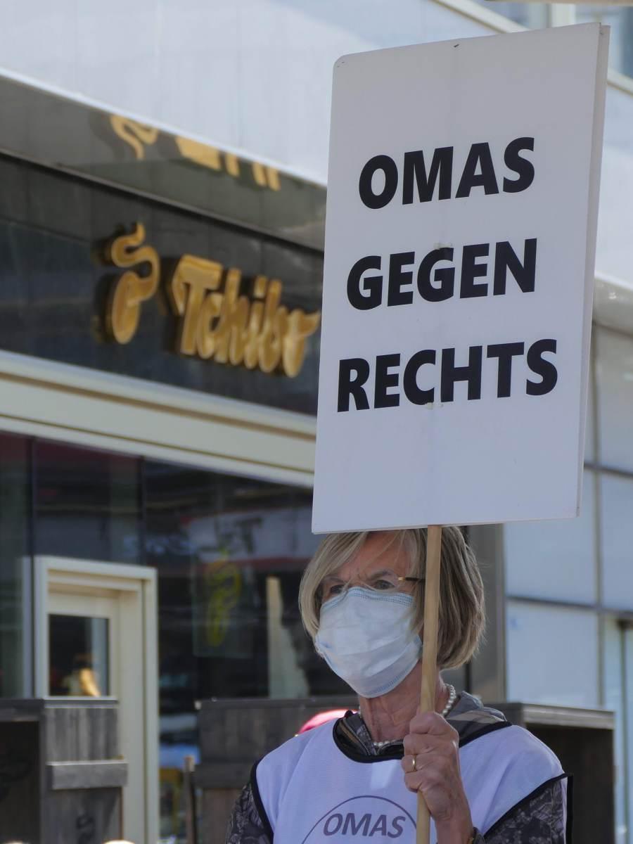 OMAS GEGEN RECHTS BERLIN