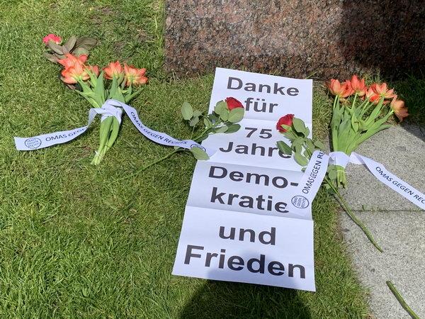 """""""Danke für 75 Jahre Demokratie und Frieden"""""""